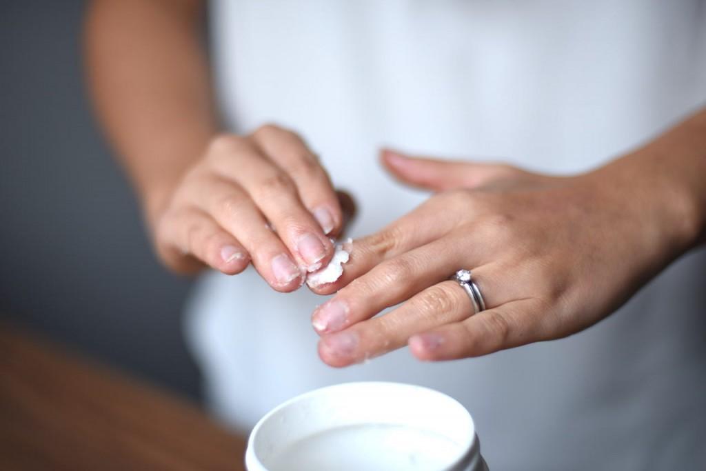 Truques úteis: Como pintar as unhas muito mais rapidamente?